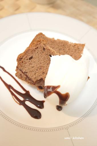 Choco_chiffon_cake_cut_2